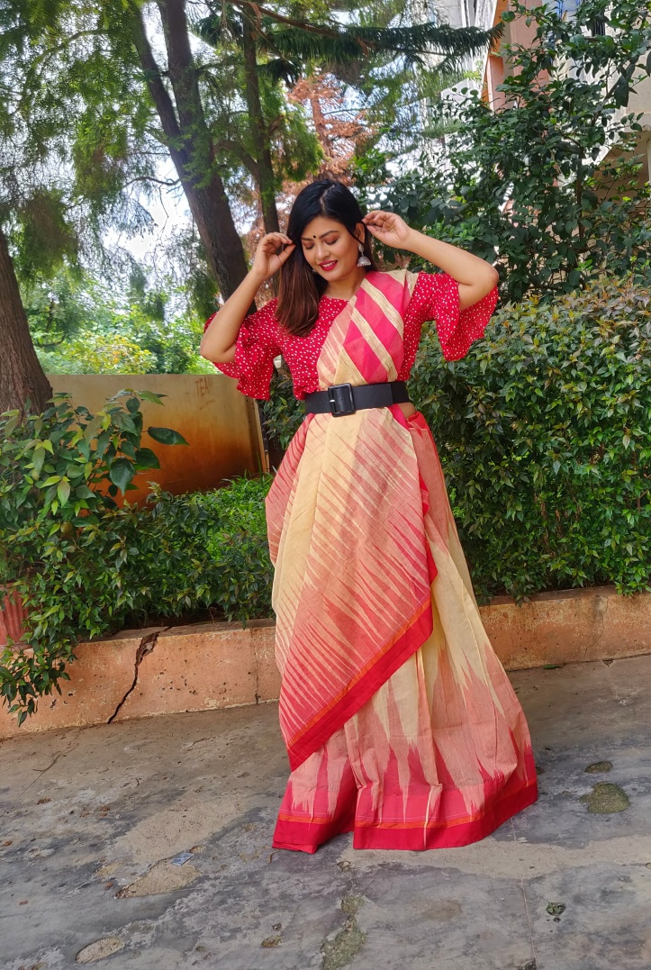 Anupa Sahu creates a trendy look by wearing a thick belt